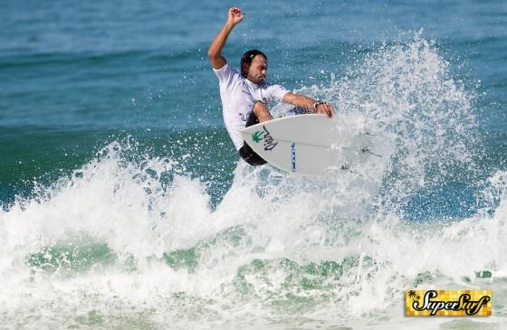 SuperSurf WT Master Championship Arpoador 2011 - Victor Ribas